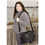 Lisa uses the Speed Freak as a shoulder bag.
