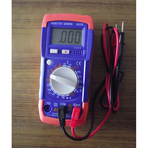 Who Makes Digital Multimeters : Advantages and disadvantages of digital meters