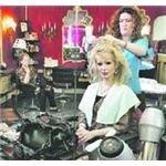 Tamara Seisdedos en la peluquería