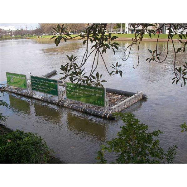 Contemporary Australian Home Architecture On Yarra River: Litter Traps Are A Must To Prevent Litter From Polluting