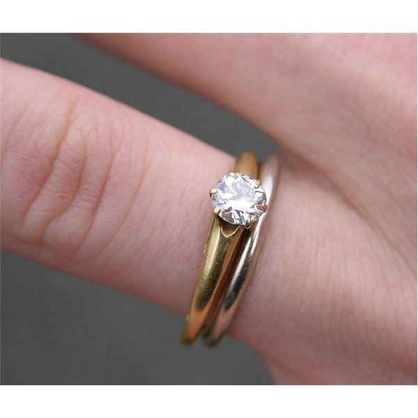What is the average cost of an engagement ring for How much wedding ring cost