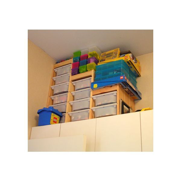 Simple dorm room storage solutions anyone can do - Dorm room storage solutions ...