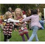 719px-Children dancing, Geneva