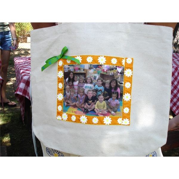 Learn How to Make a Personalized Photo Tote Bag