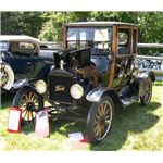 692px-1919 Ford Model T Highboy Coupe