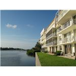 South Palm Beach condominium lakeside