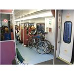 800px-Lower floor of a bi-level Sound Transit commuter train