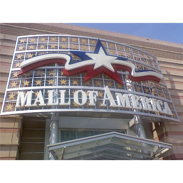 800px-Mall of America. Sign