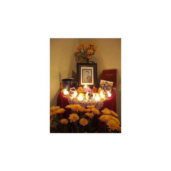Day of the Dead, Altar