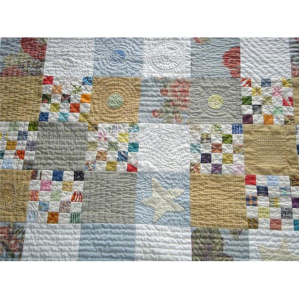 799px-Baby quilt detail