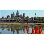 Buddhist monks in front of the Angkor Wat - Photo by Sam Garza
