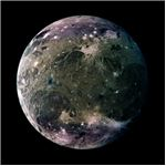 An image of Ganymede, which is has an iron-rich, liquid core.