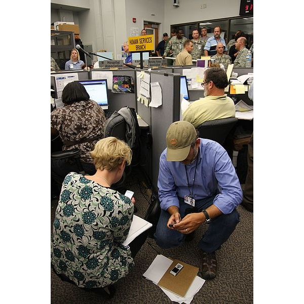 400px-FEMA - 37945 - Human Services employees at the State Emergency Operations Center in Louisiana