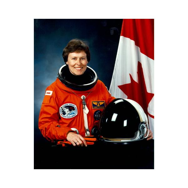 biography roberta lynn bondar Roberta lynn bondar - space: born in sault ste marie, ontario december 4, 1945 canada's first woman astronaut had flair she took her favourite food, girl guide cookies, into space with her in 1992.