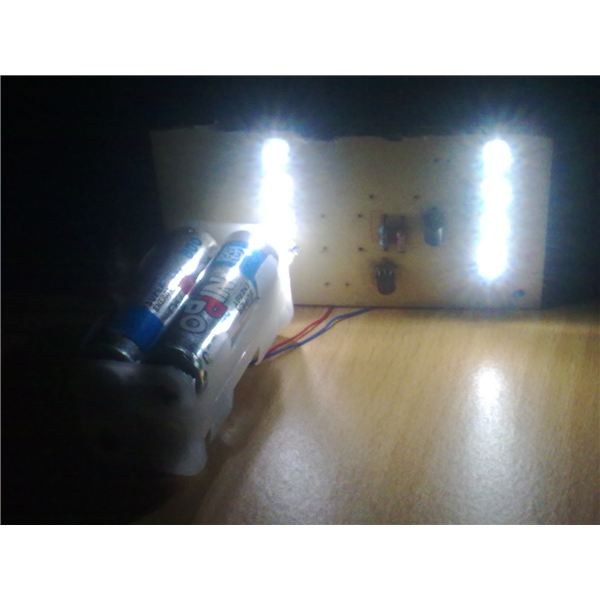 8 White LEDs Powered from 4 Ni-Cd cells, Test Report, Image
