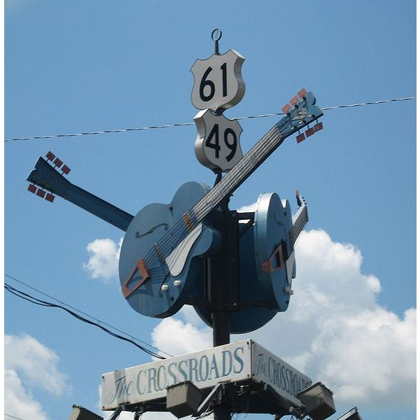 589px-ClarksdaleMS Crossroads