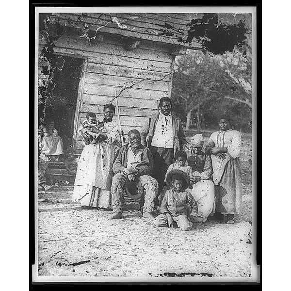 480px-Family of African American slaves on Smith's Plantation Beaufort South Carolina