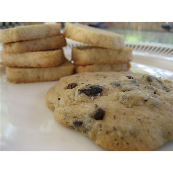 how do websites use cookies