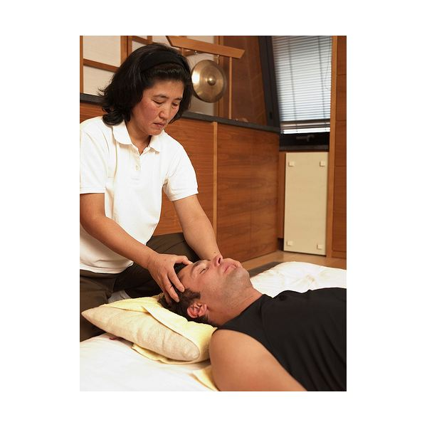 What Are the Benefits of Shiatsu Therapy?