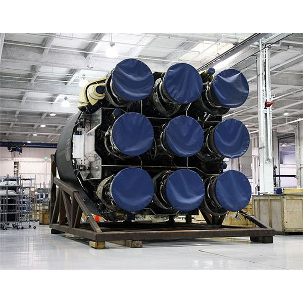 Falcon 9 engine cluster
