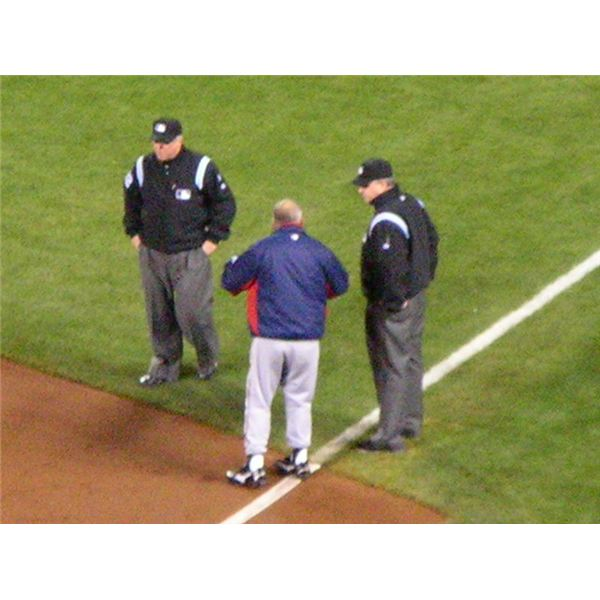 Bobby Cox argues call at 2010 NLDS Game 2