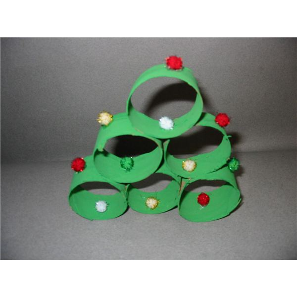5 Preschool Christmas Crafts Teaching Shapes & Colors: 3D Christmas Tree, Paper Chains, CD Ornaments and More!