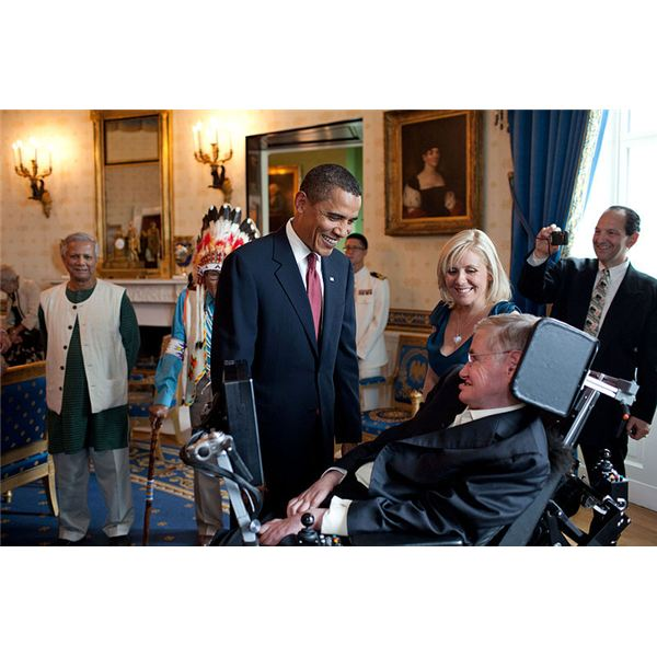 800px-Barack Obama speaks to Stephen Hawking  - released into the public domain by the White House photostream