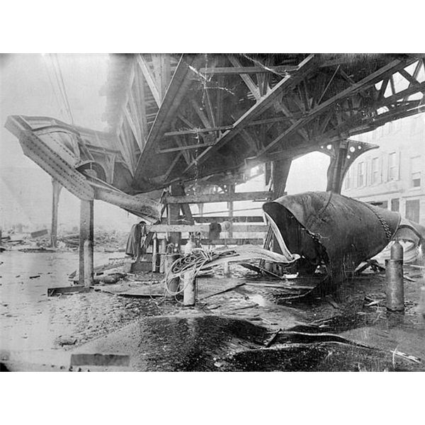 Boston 1919 molasses disaster - el train structure