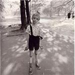 Childwithhandgrenadedianearbus