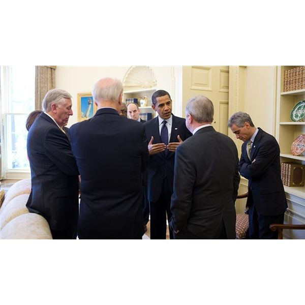800px-Barack Obama meets with Congressional Democratic leaders in Oval Office 1-23-09