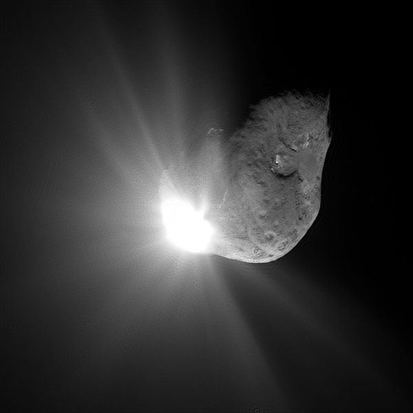 Deep Impact Probe striking Comet Tempel 1