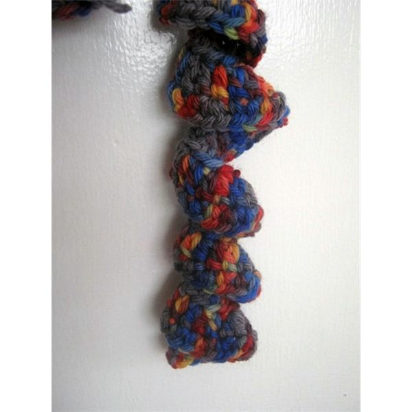 Crochet Spiral Ruffle Scarf Pattern and Tutorial