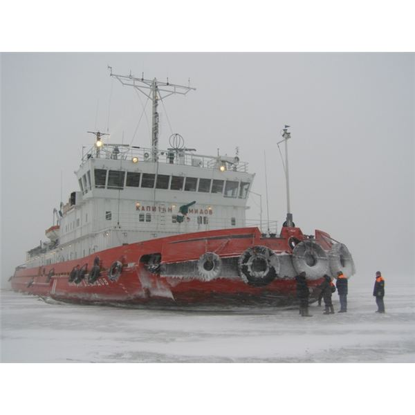 Azov Sea Photo Gallery: Ice-breaker 'Captan Demido