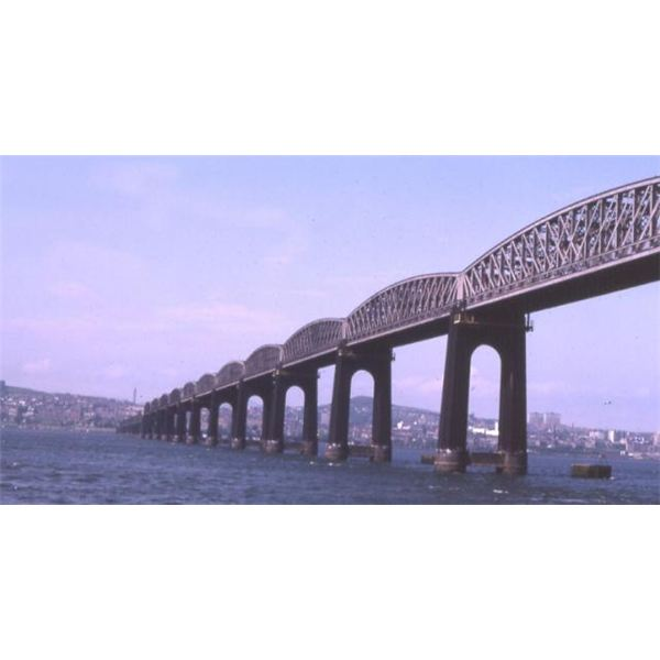 The new Tay Bridge from Wiki Commons by Anne Burgess