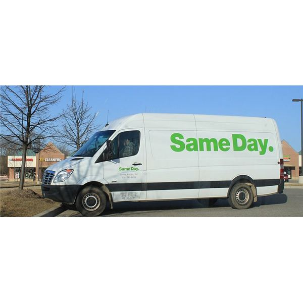 800px-Same Day Delivery courier van Ypsilanti Township
