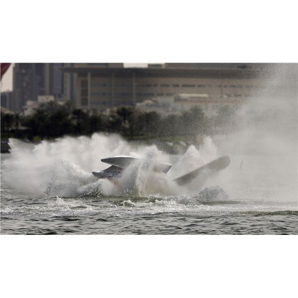 f1 boat crash