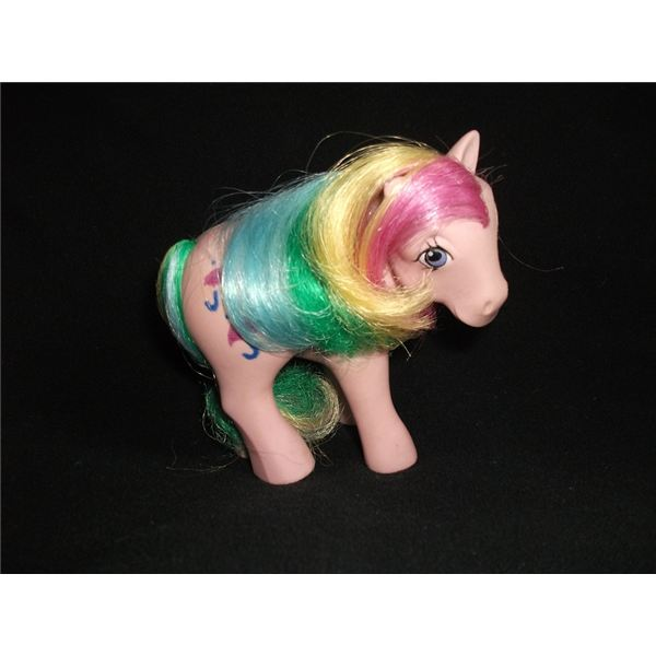 Pretty pony: with flash diffuser.