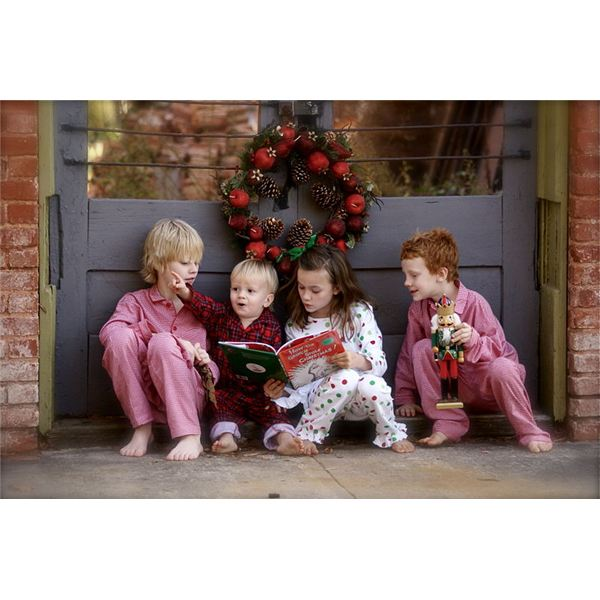 Children reading the Book How the Grinch Stole Christmas