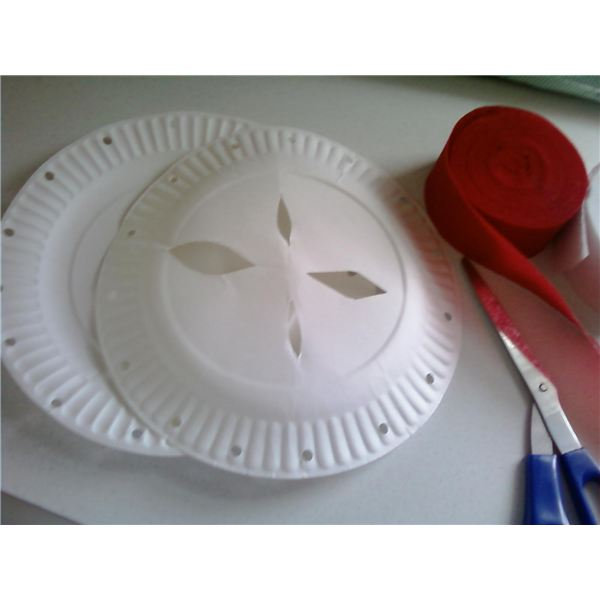 Apple Pie Paper Plate Craft for Kids: Make Apple or Pumpkin Pies with Paper Plates