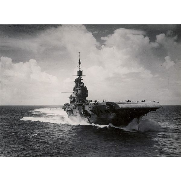 world war ii and aircraft carriers The development of the aircraft carrier tactics of world war ii began soon after the september, 1939 declaration of war british carriers were scattered across the seas, broken up into forces composed of a carrier and a battleship or battlecruiser.