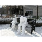 Thinking about the snow storm - two snowmen in Church Square, Tring - geograph.org.uk - 1629484