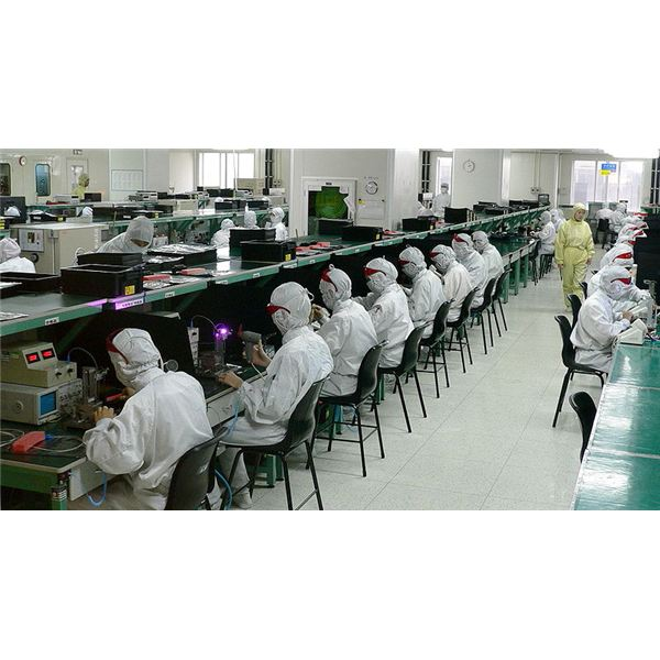 800px-Electronics factory in Shenzhen