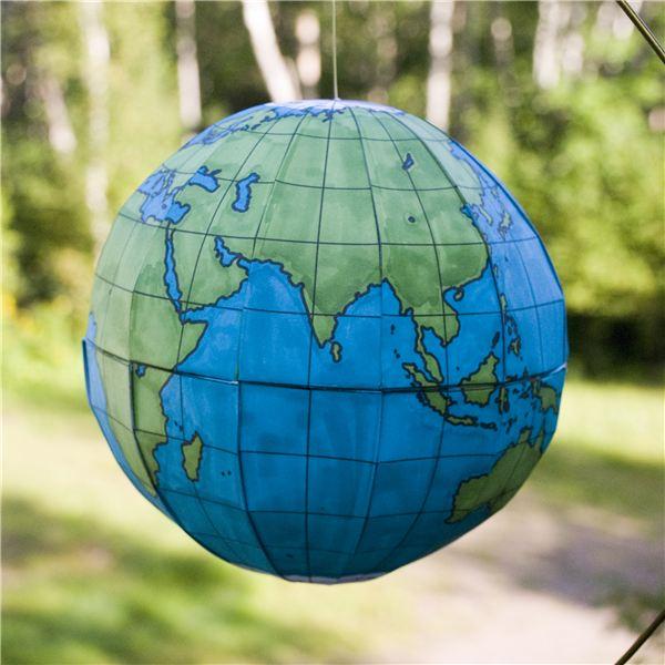 Using this free globe template, you can make a 3D model