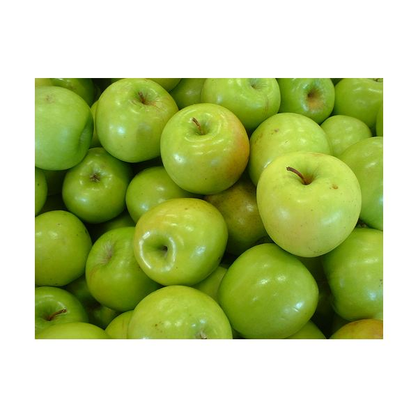 Apples by Deborah Fitchett flickr