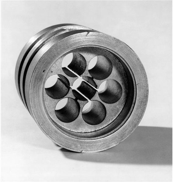 Original cavity magnetron, 1940