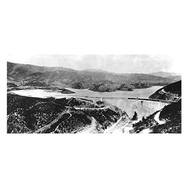St Francis Dam from Wiki Commons by Mav