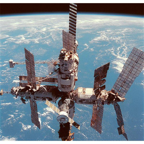 Facts on the Mir Space Station