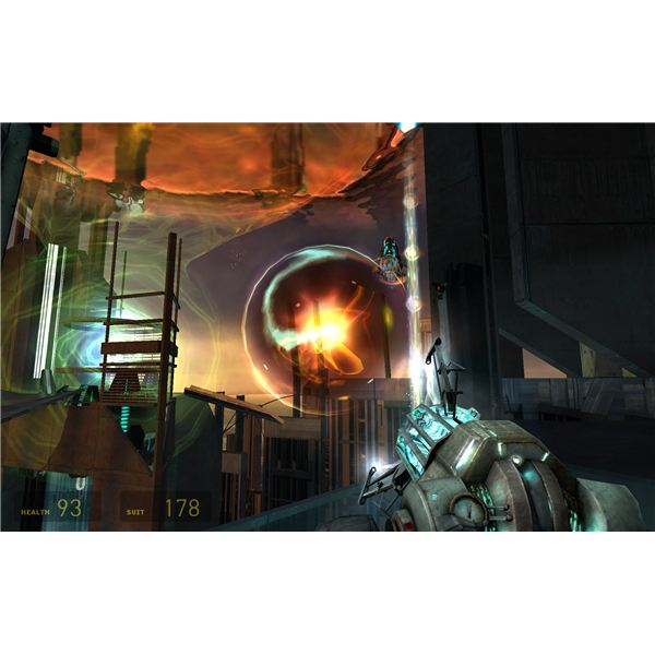 Half-Life 2 - Yes…We're Shooting Alien Gunships with Plasma to Stop a Portal