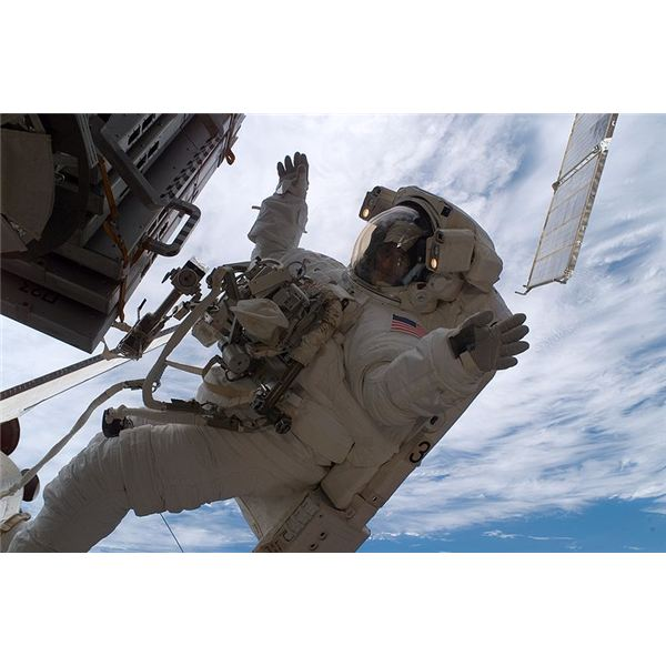 All About what Astronauts Do In Space and Their Job Duties