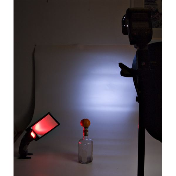 Two strobes with different gels were used.